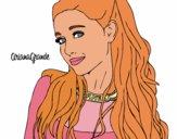 Ariana Grande à collier