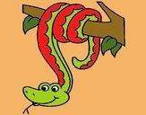 Serpent pendu à un arbre